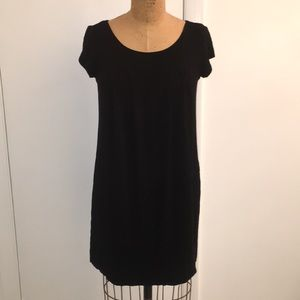Perfect, comfy little black dress!